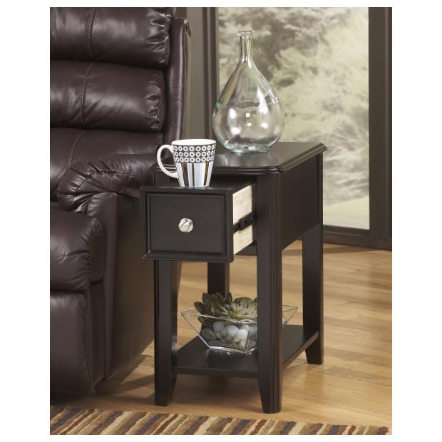 Ashley Furniture   T007-371