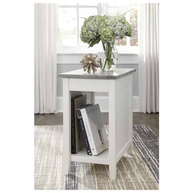 Ashley Furniture   T217-371